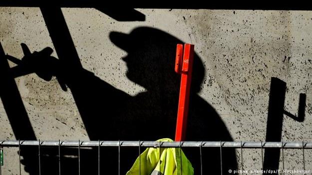 Aby zapobiec wykorzystywaniu pracowników cudzoziemskich, trzeba wprowadzić obowiązek doradztwa /Deutsche Welle