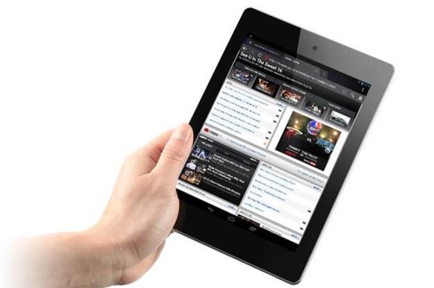 Acer Iconia A1 mieści się w jednej dłoni /materiały prasowe