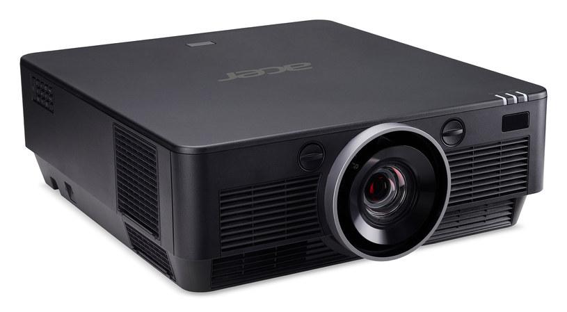 Acer P8800 /materiały prasowe