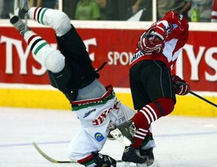 Adam Bagiński stawał dziś na głowie, żeby pokonać ComArch Cracovię, fot: /Agencja Przegląd Sportowy