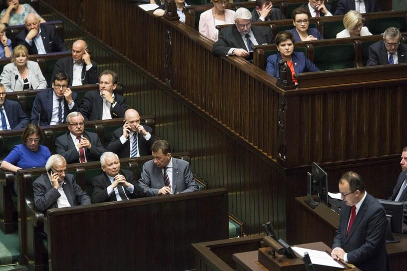 Adam Bodnar przemawia w Sejmie /Andrzej Hulimka  /Reporter