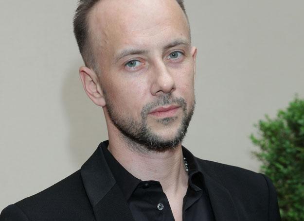 """Adam Darski jest duszą towarzystwa w ekipie """"Voice of Poland"""" / fot. P.Wrzecion /MWMedia"""