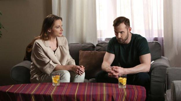 Adam dowie się, że Agnieszka jest z nim w ciąży! /www.barwyszczescia.tvp.pl/