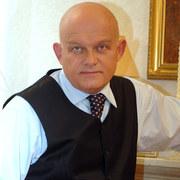 Adam Ferency (Konrad)