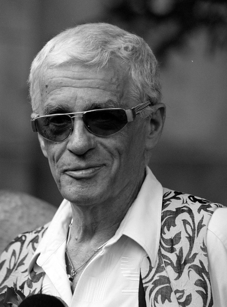 Adam Hanuszkiewicz zmarł 4 grudnia 2011 r.  /East News