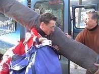 Adam Małysz wraz z Apoloniuszem Tajnerem wyrusza z Wisły na podbój Salt Lake City /INTERIA.PL