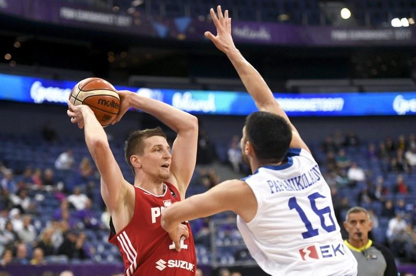 Adam Waczyński w meczu z Grecją podczas Eurobasketu /AFP