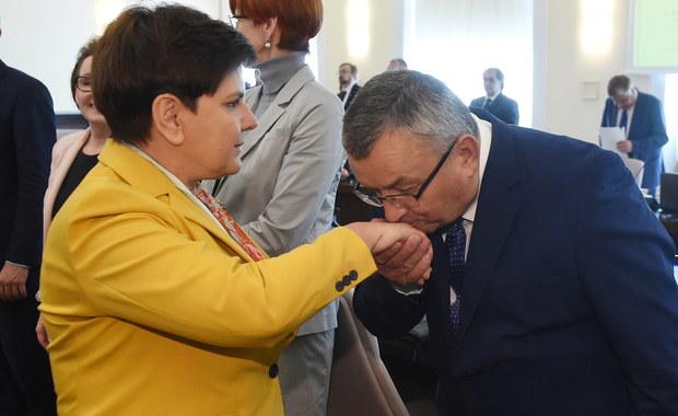 Adamczyk pozostanie ministrem infrastruktury i budownictwa. Morawiecki chciał zabrać połowę resortu