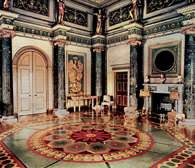Adamów styl: westybul w Syon House, Brendford (Anglia), projekt: Robert Adam /Encyklopedia Internautica