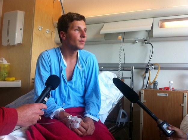 Adrian Pracoń, 23-letni Norweg polskiego pochodzenia, przeżył masakrę na wyspie Utoya. /AFP