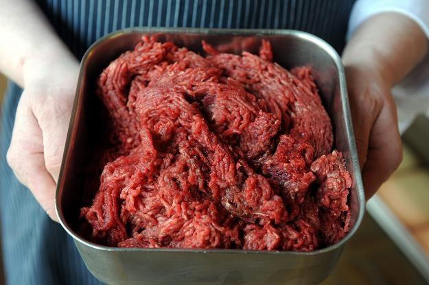 Afera mięsna w Wielkiej Brytanii zatacza coraz szersze kręgi. /PAP/EPA