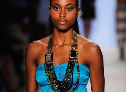 Afryka na paryskim wybiegu: stulecia tradycji zyskują współczesną oprawę /Getty Images/Flash Press Media