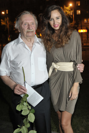 Agata Nizińska bardzo chciałaby zagrać kiedyś razem ze swoim słynnym dziadkiem, Wojciechem Pokorą /  /AKPA