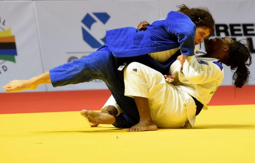 Agata Perenc (niebieska dżudoga) /AFP