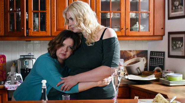 Agata po dłuższym opieraniu się znowu zwraca się do Laury po pomoc. Obie są w sytuacji nowego początku… Czy to będzie także początek wspaniałej przyjaźni? /Polsat