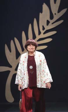 Agnes Varda zasiadała w tym roku w jury festiwalu w Cannes. /AFP