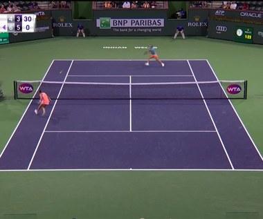Agnieszka Radwańska - Shuai Peng 4:6, 4:6. Skrót meczu
