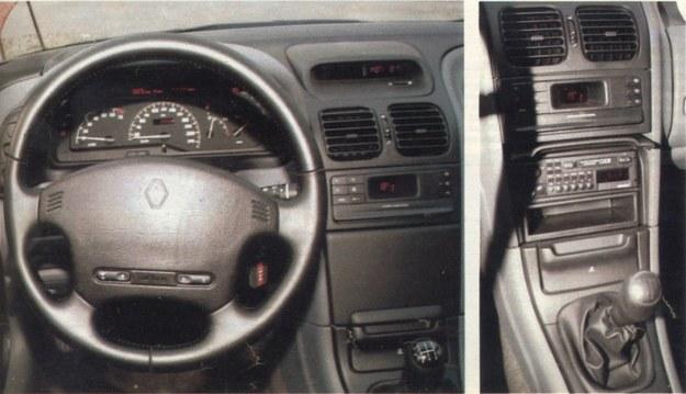 Airbag, elegancka deska rozdzielcza, a po prawej stronie ukryte radio. Odbiornik widać po podniesieniu pokrywy. /Motor