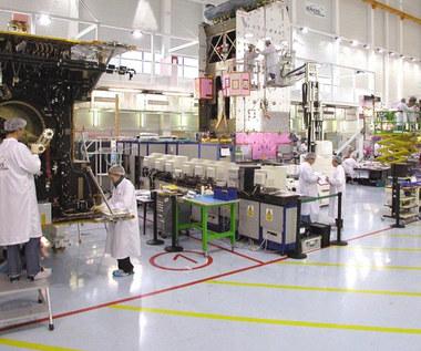 Airbus Defence and Space stworzy pomieszczenia do budowy satelitów w Warszawie