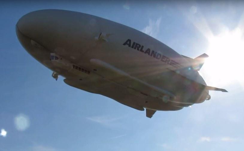 Airlander 10 posiada teraz dwie duże poduszki powietrzne /YouTube