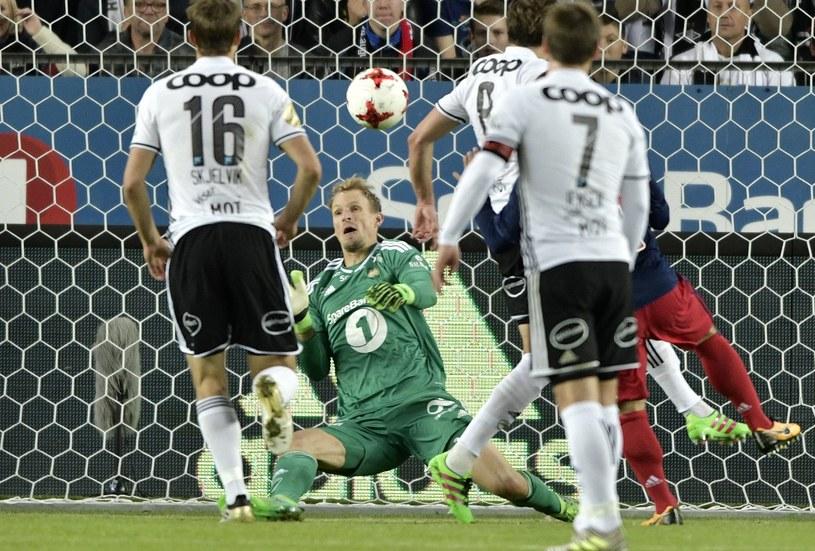 Ajax zdobywa bramkę w meczu z Rosenborgiem /Martin Wold /AFP