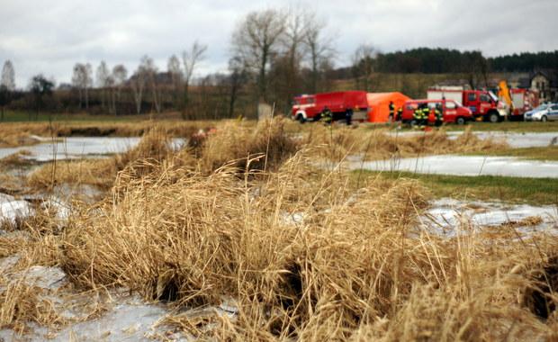 Akcja ratunkowa na jeziorze koło Chojnic. Na krze dryfowali wędkarze