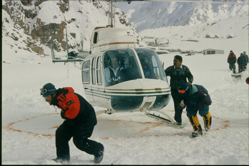 Akcja ratunkowa.   Zimowa wyprawa na  Nanga Parbat 1997-98 /materiały prasowe