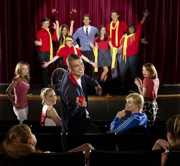 """Akcja serialu """"Glee"""" rozgrywa się w szkole średniej - fot. Fox /"""
