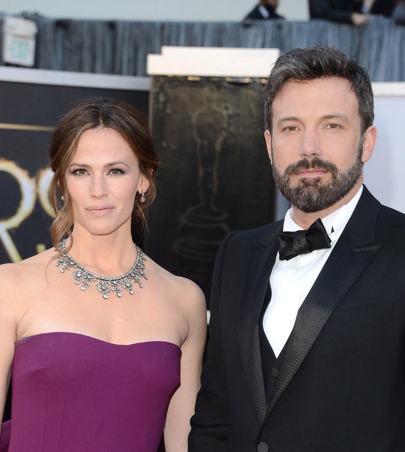 Aktor formalnie wciąż jest mężem Jennifer Garner /Jason Merritt /Getty Images