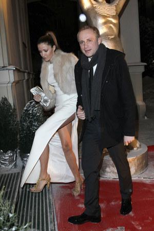 Aktor przyznaje, że dzięki małżeństwu z Katarzyną Gwizdałą poczuł solidniejsze fundamenty pod sobą /    /AKPA