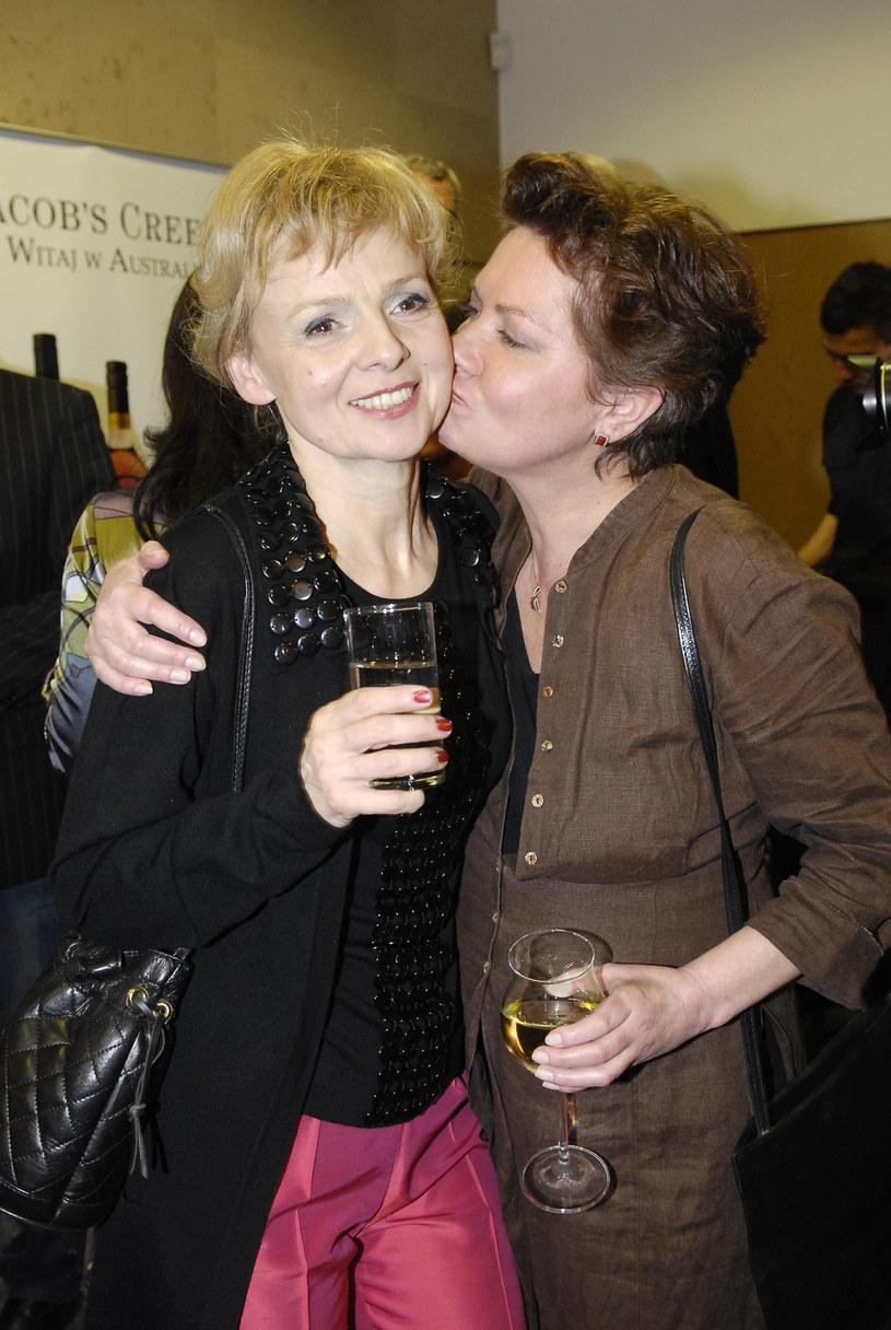 Aktorkę często można było spotkać na bankietach z kieliszkiem alkoholu w dłoni. Tu w 2008 roku z Ewą Wencel /Mikulski /AKPA