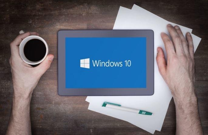 Aktualizacja do Windowsa 10 nie będzie już w żadnym wypadku bezpłatna /123RF/PICSEL