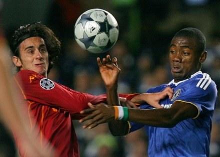 Alberto Aquilani (z lewej) to nowy nabytek Liverpool FC /AFP