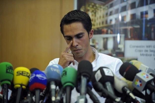 Alberto Contador w czasie konferencji prasowej /AFP