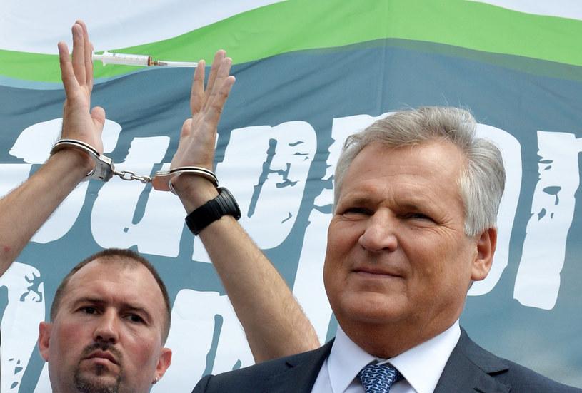 Aleksander Kwaśniewski i Pat Cox dostali jeszcze trochę czasu. /AFP