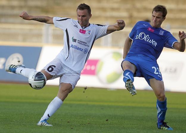 Aleksander Kwiek strzelił pięknego gola w meczu z Lechem Poznań Fot. Andrzej Grygiel /PAP