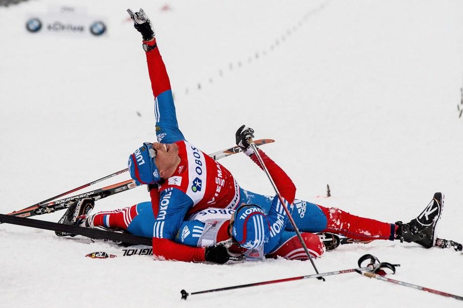 Aleksander Legkow z Rosji po wygranym biegu na 50 km w Holmenkollen /Stian Lysberg /PAP/EPA