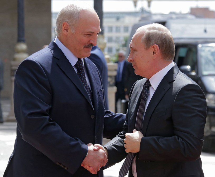Aleksander Łukaszenka i Władimir Putin /AFP
