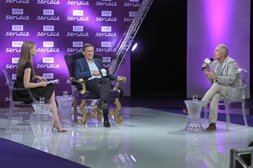 Aleksandra Rosiak, Jan Englert i Karol Strasburger w TVP Seriale /AKPA