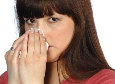 Alergiczny nieżyt nosa może prowadzić do astmy