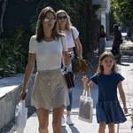 Alessandra Ambrossio z córką na spacerze