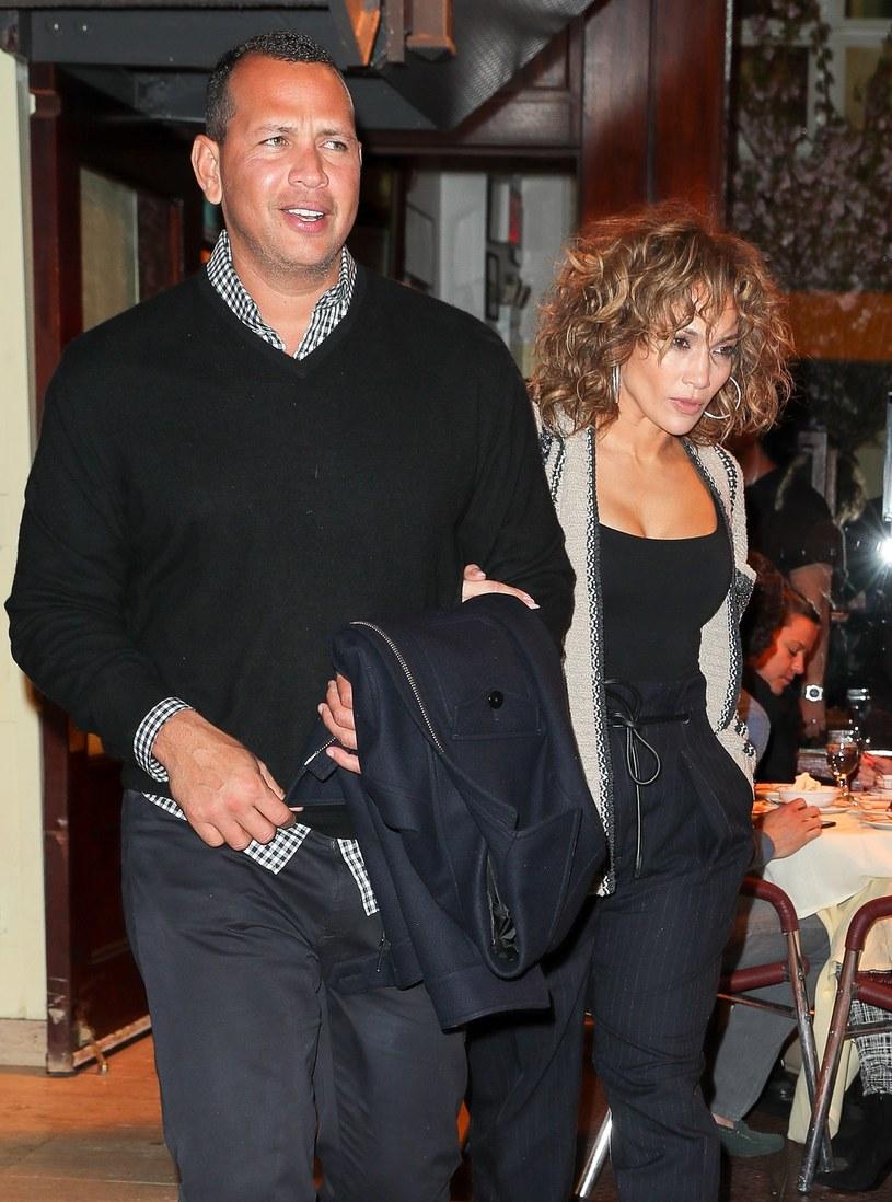 Alex Rodriguez zdradził Jennifer Lopez? /East News