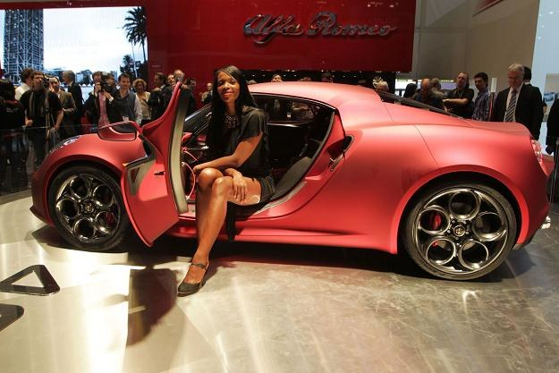 Alfa Romeo będzie produkować nowy silnik /AFP
