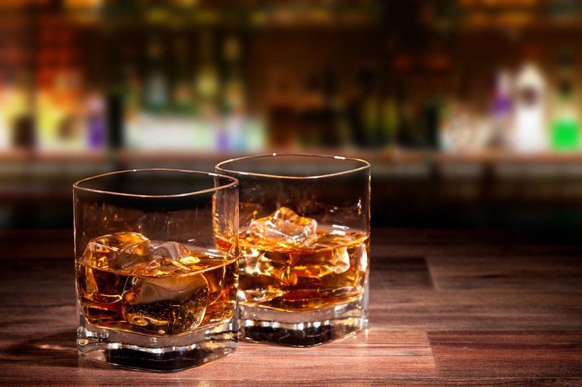 Alkohol może wpływać korzystnie na zapamiętywanie informacji /©123RF/PICSEL