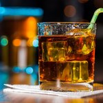 Alkohol powiązany z siedmioma typami nowotworów