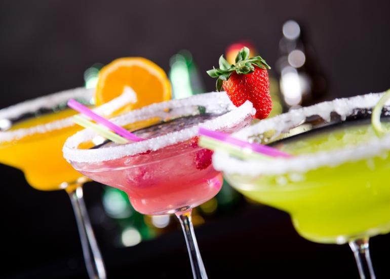 Alkohol w proszku trafia na amerykański rynek. Już wywołuje kontrowersje /©123RF/PICSEL