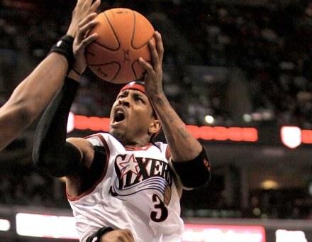 Allen Iverson zdobył 31 punktów, prowadząc Sixers do zwycięstwa nad Heat /AFP