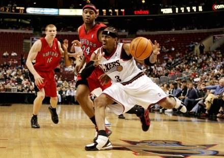 Allen Iverson znów zagra w Philadelphia 76ers /AFP