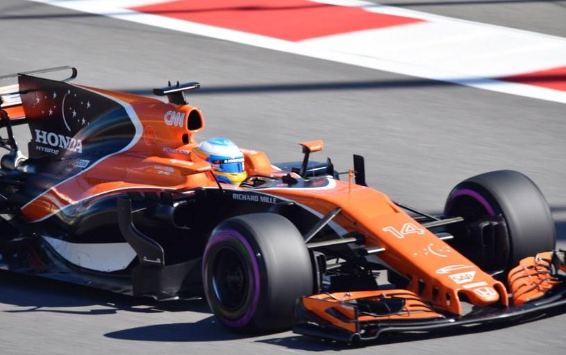Alonos nie wyklucza pozostania w McLarenie /AFP