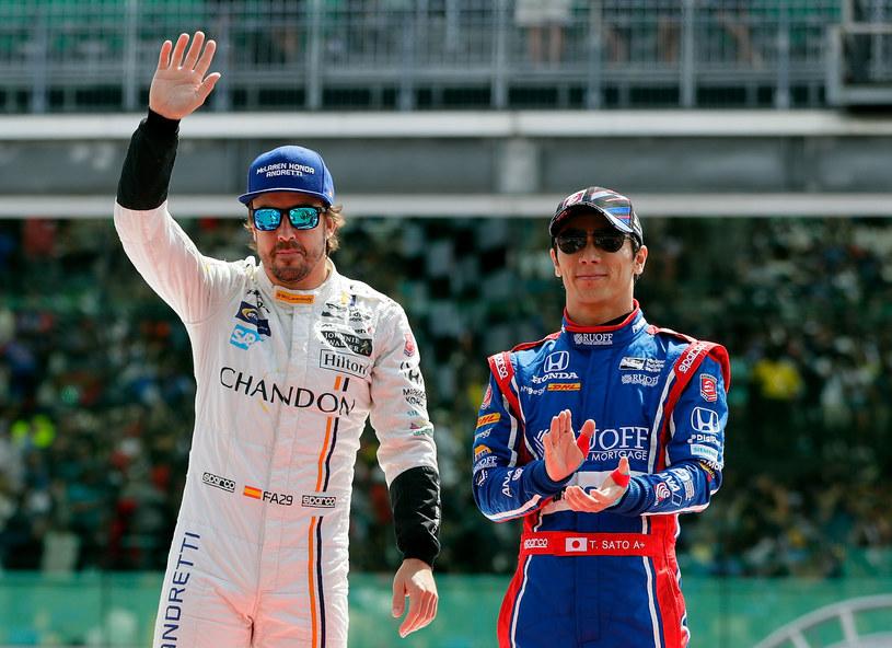 Alonso po odejściu z F1 nie musi kończyć kariery. Może startować np. w Indy 500, jak mający za sobą starty w F1, Takuma Sato /AFP